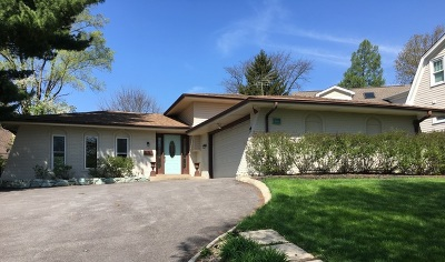 Clarendon Hills Single Family Home For Sale: 4 Woodstock Avenue