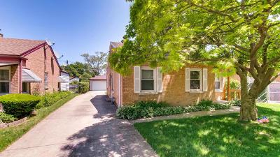 Morton Grove Single Family Home For Sale: 8231 Menard Avenue