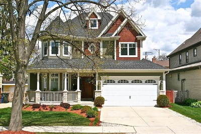 Downers Grove Single Family Home For Sale: 744 Farley Place