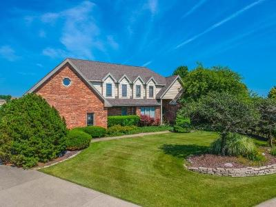 Single Family Home For Sale: 18 Smokey Court