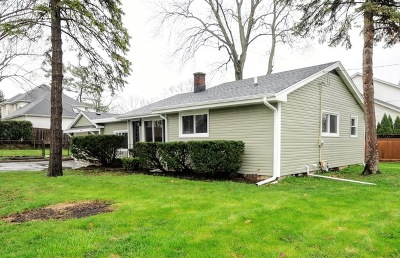 Downers Grove Single Family Home For Sale: 4501 Roslyn Road