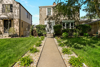 Skokie Single Family Home For Sale: 8642 Kedvale Avenue