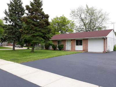 Bolingbrook Single Family Home For Sale: 349 Deerfield Drive