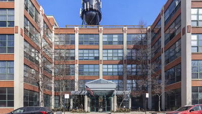 Roscoe Village Condo/Townhouse For Sale: 1800 West Roscoe Street #418