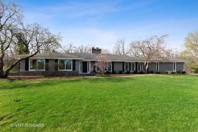 Libertyville Single Family Home For Sale: 1261 Deer Trail Lane