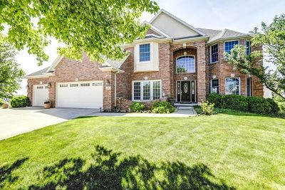 Bloomington Single Family Home For Sale: 15 Sable Oaks Court