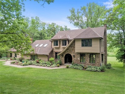 St. Charles Single Family Home Contingent: 4n310 Knollcreek Drive