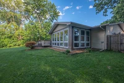 Buffalo Grove Single Family Home For Sale: 17 Crestview Terrace