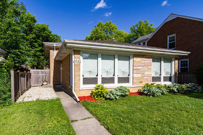Skokie Single Family Home For Sale: 8335 Karlov Avenue