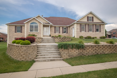 Single Family Home For Sale: 2504 Piney Run
