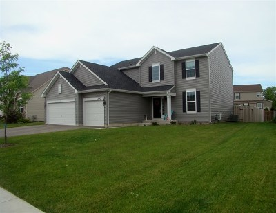 Woodstock IL Single Family Home For Sale: $288,800