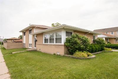 Niles Single Family Home For Sale: 8761 North Oleander Avenue