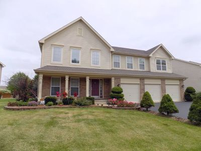 Bartlett IL Single Family Home New: $435,000