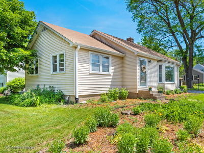 Downers Grove IL Single Family Home New: $299,000