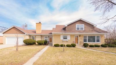 Niles Single Family Home For Sale: 6860 West Oakton Court