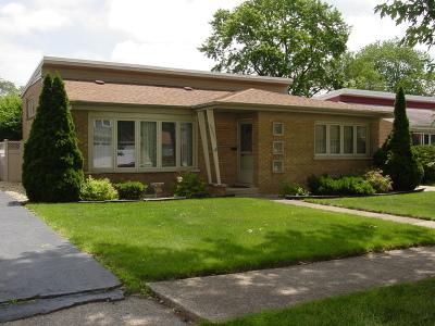 Oak Lawn Single Family Home For Sale: 10621 South Keeler Avenue