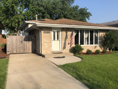 Oak Lawn Single Family Home For Sale: 8906 Parkside Avenue