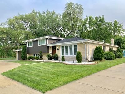 Oak Lawn Single Family Home For Sale: 10832 Laramie Avenue