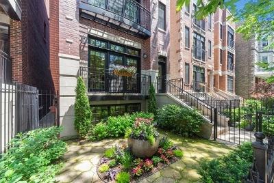 Condo/Townhouse For Sale: 3247 North Clifton Avenue #1