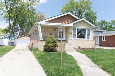 Oak Lawn Single Family Home For Sale: 4616 West 98th Place