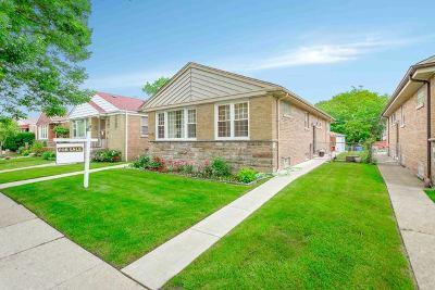 Single Family Home New: 6305 North Kedzie Avenue