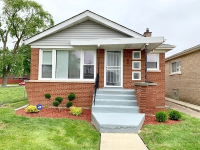 Chicago Single Family Home For Sale: 10605 South Emerald Avenue