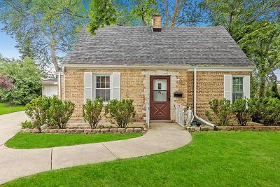 Niles Single Family Home For Sale: 8136 West Oak Lane