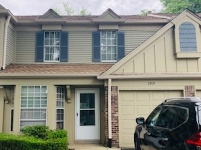 Westmont Condo/Townhouse For Sale: 1513 Crab Tree Drive