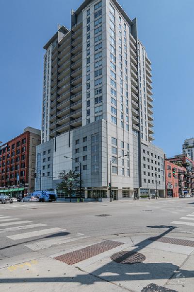 Condo/Townhouse New: 330 West Grand Avenue #906