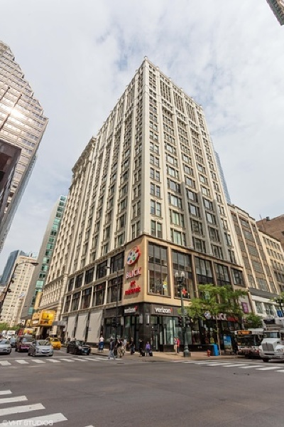 Chicago Condo/Townhouse New: 8 West Monroe Street #1900