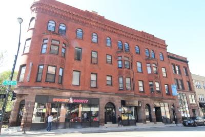 Rental New: 2302 North Clark Street #2W