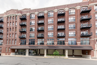 Condo/Townhouse For Sale: 360 West Illinois Street #213