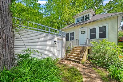 Wauconda Single Family Home For Sale: 908 Monroe Street