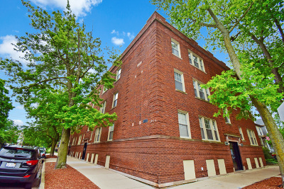 Condo/Townhouse New: 1903 West Newport Avenue #3