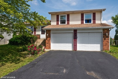 Glendale Heights Single Family Home For Sale: 130 West Wrightwood Avenue