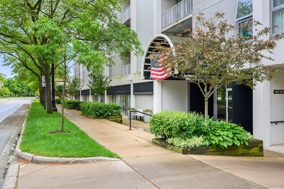 Wilmette Condo/Townhouse For Sale: 1625 Sheridan Road #413
