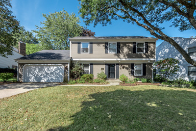 Downers Grove Single Family Home For Sale: 3600 Venard Road