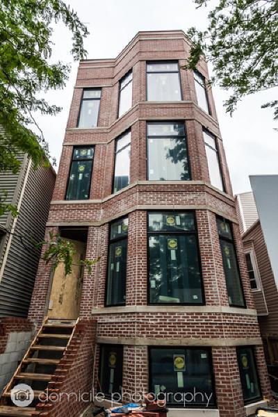 Condo/Townhouse For Sale: 3124 North Central Park Avenue #2