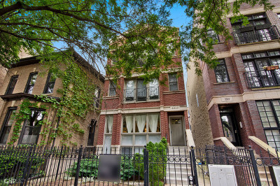 Chicago Condo/Townhouse For Sale: 3217 North Kenmore Avenue #1