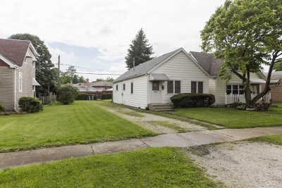 Single Family Home For Sale: 4528 North Narragansett Avenue