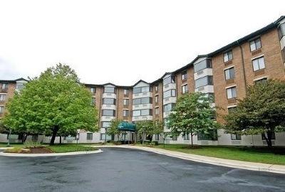 Glen Ellyn Condo/Townhouse For Sale: 470 Fawell Boulevard #219