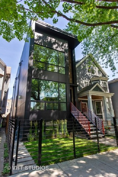 Single Family Home For Sale: 3917 North Marshfield Avenue