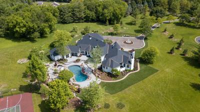 Barrington Hills Single Family Home For Sale: 10 Oak Lake Drive