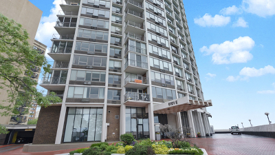 Condo/Townhouse For Sale: 6101 North Sheridan Road #17A