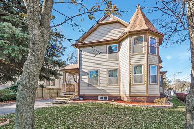 La Grange Single Family Home For Sale: 52 North Madison Avenue