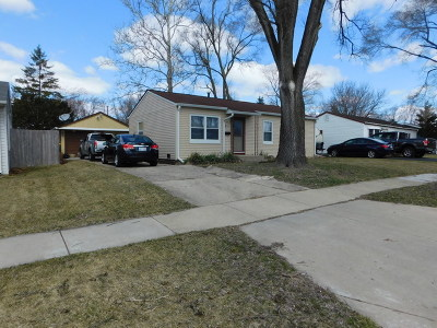 Streamwood Single Family Home For Sale: 214 Cypress Drive