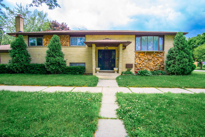 Bensenville Single Family Home Contingent: 201 South Center Street