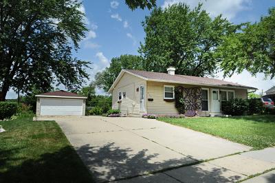 Streamwood Single Family Home For Sale: 335 Cedar Circle