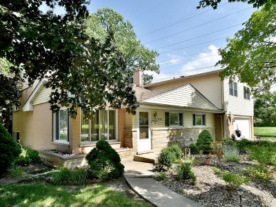 Morton Grove Single Family Home Price Change: 5849 Emerson Street