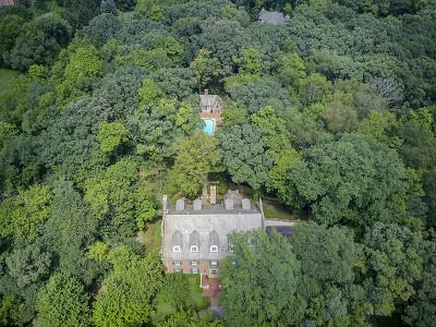 Barrington Hills Single Family Home For Sale: 2 Longmeadow Drive